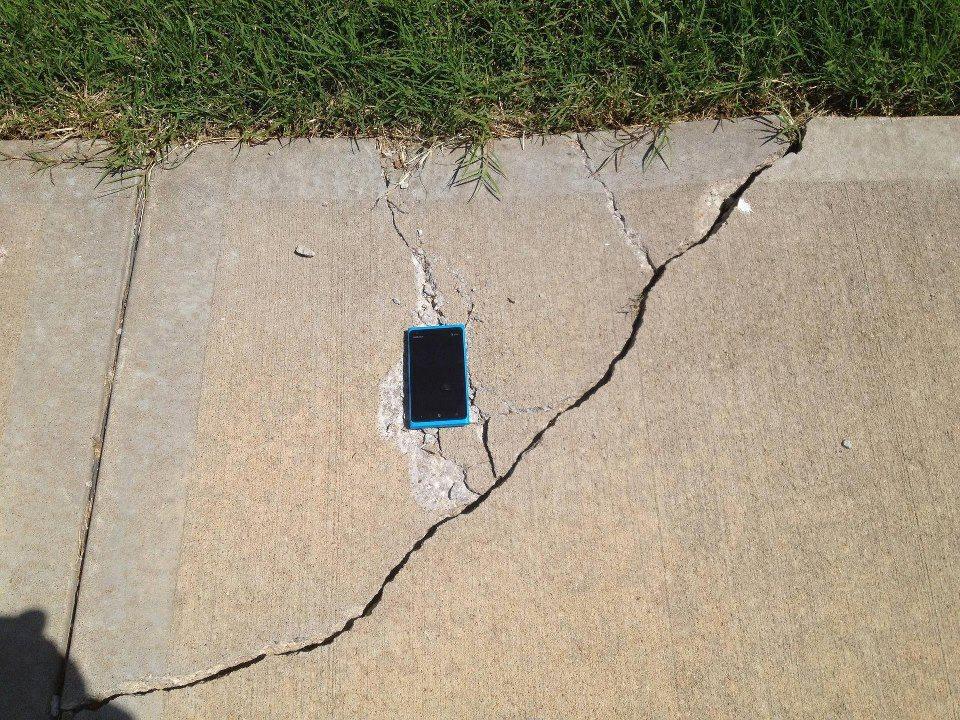 Nokia Lumia 920 zerstört Boden