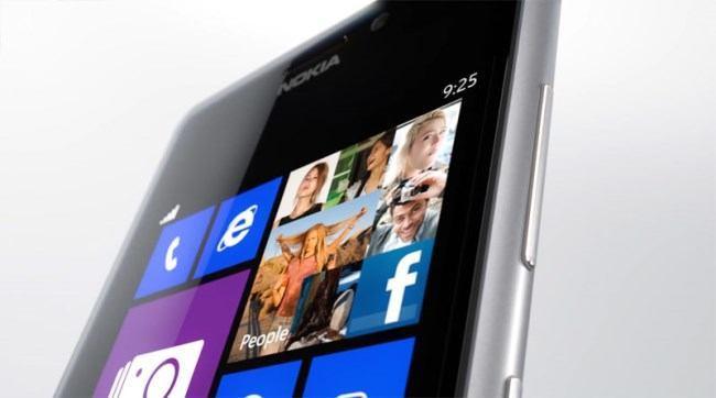 Windows-Phone-8-Nokia-Lumia-925-front-online