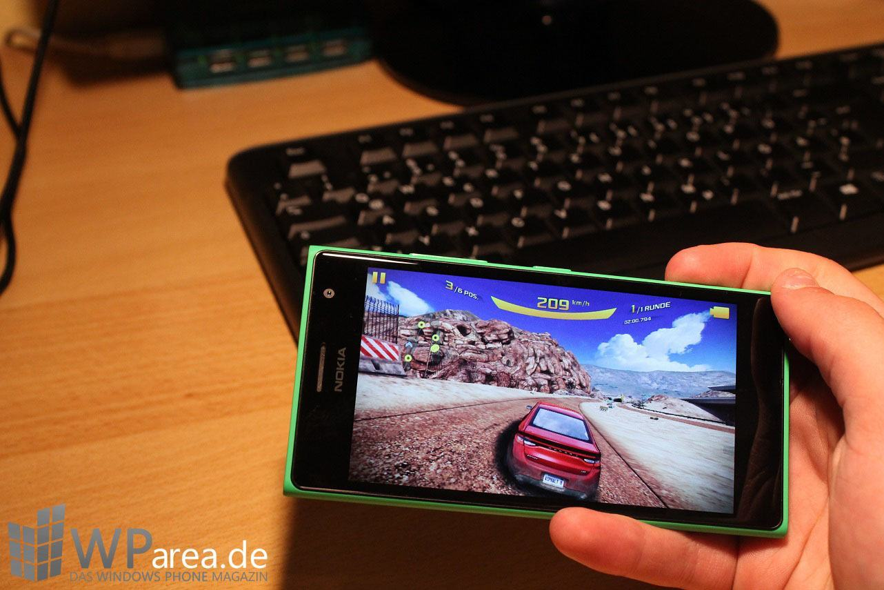 Lumia Lumia 735 grün green review games asphalt 8