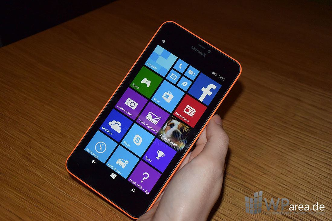 Microsoft Lumia 640 Hands-On front display