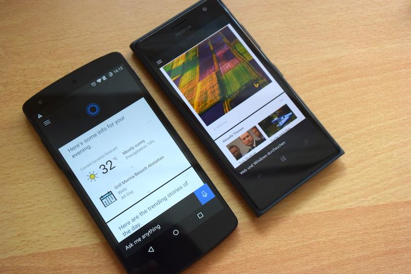 Auf dem linken Gerät Cortana auf Android, auf dem rechten Gerät Cortana auf Windows Phone.