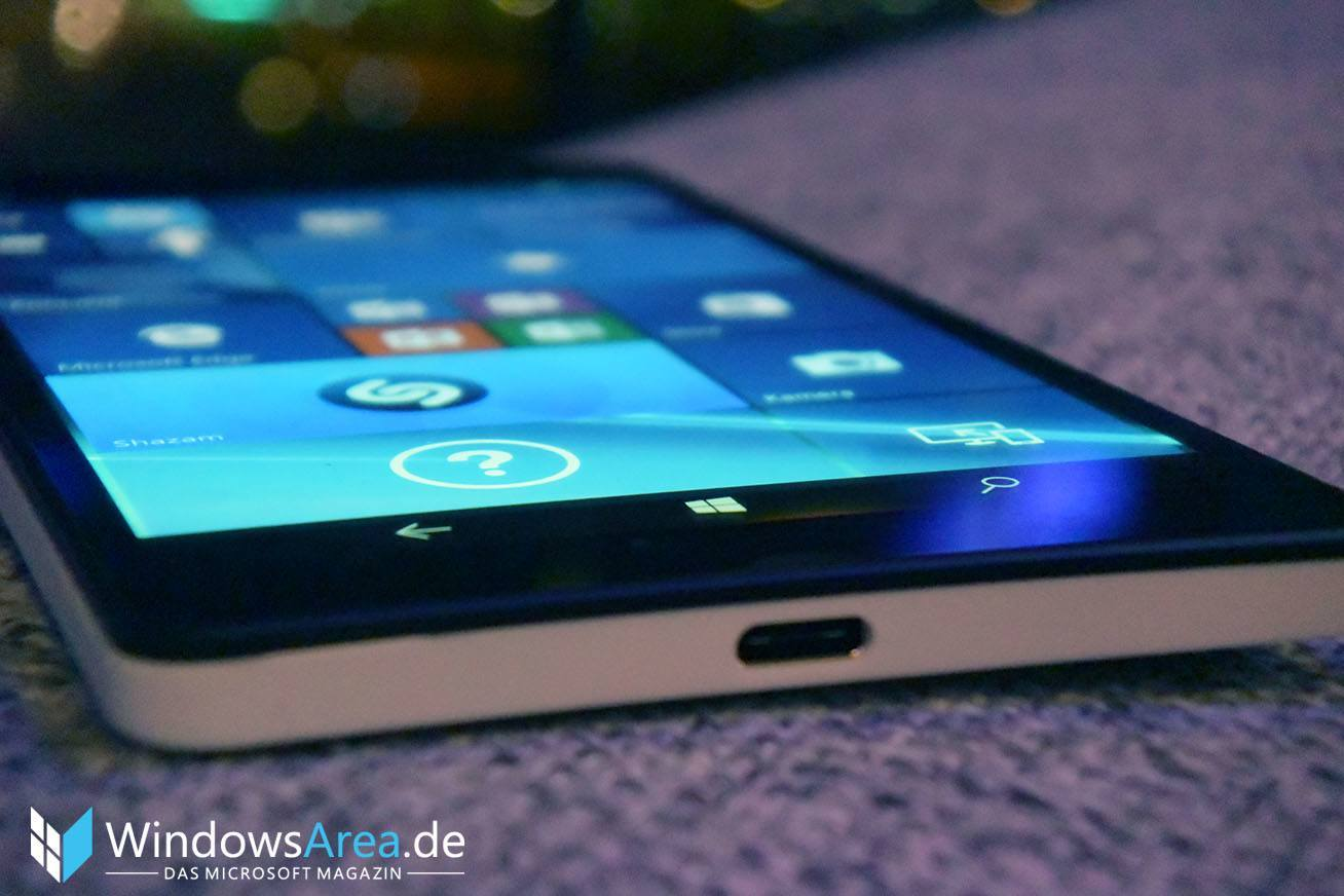 Microsoft Lumia 950 display unten