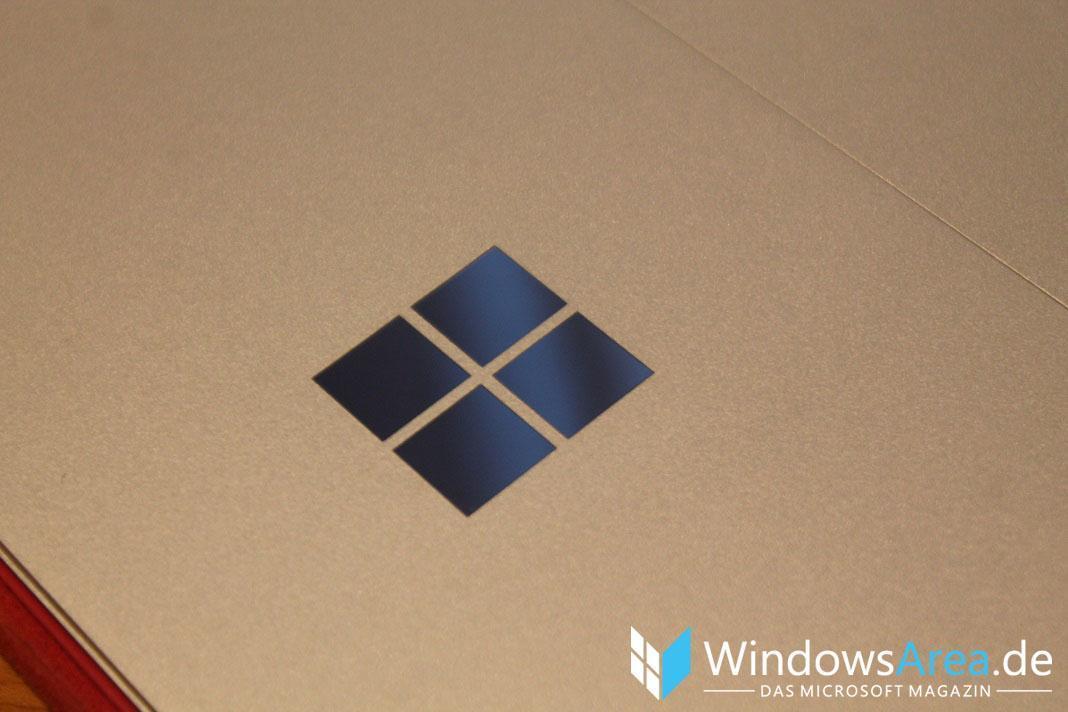 Microsoft Surface Pro 4 Microsoft Logo