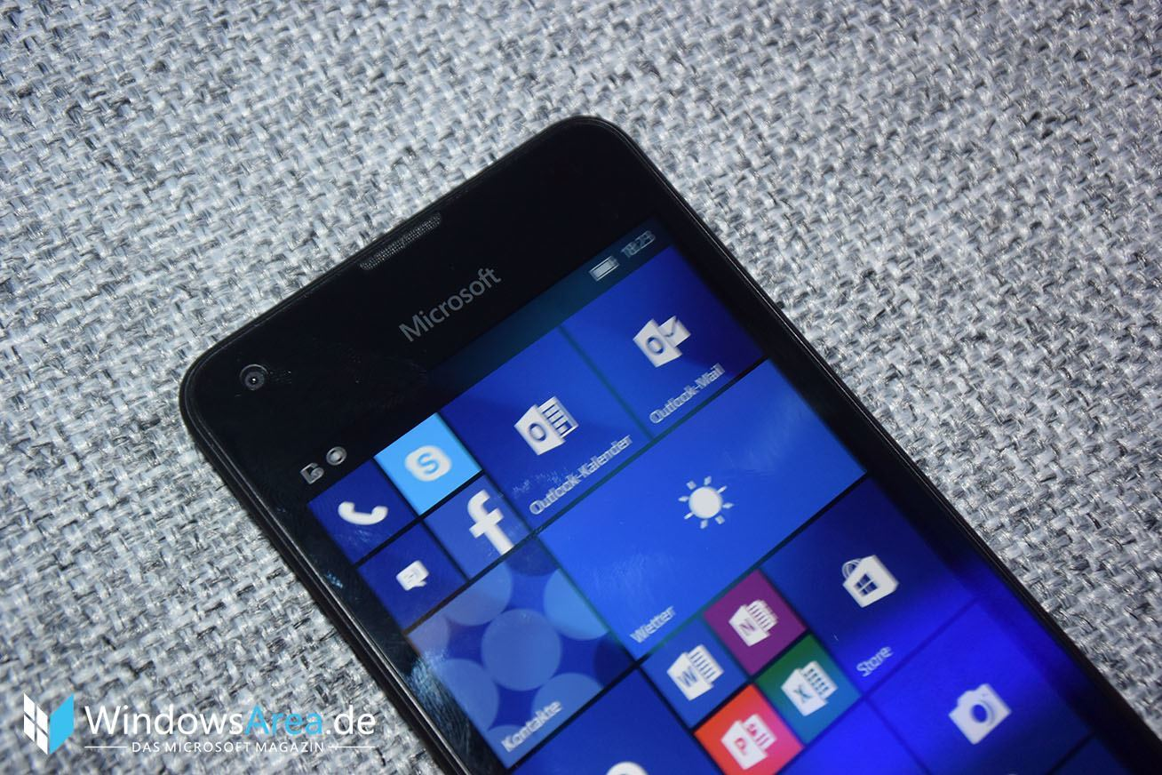 Microsoft Lumia 550 Hands-On Review Display