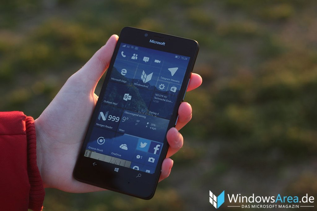 Microsoft Lumia 950 Review Startbildschirm Windows 10 Mobile Startscreen
