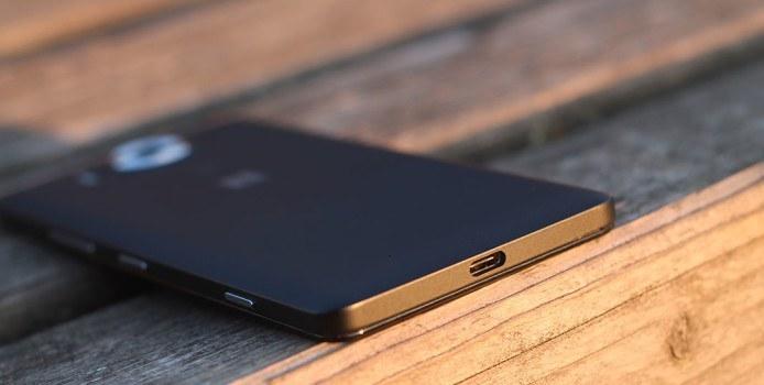 """Microsoft-Support B2X: """"Für das Modell Lumia 950 sind Austauschgeräte und Ersatzteile verfügbar"""""""