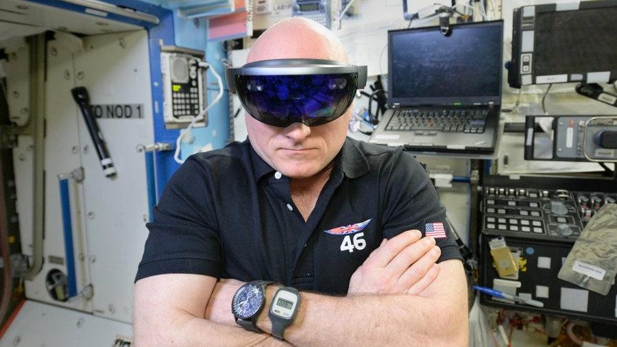 Microsoft-HoloLens_NASA