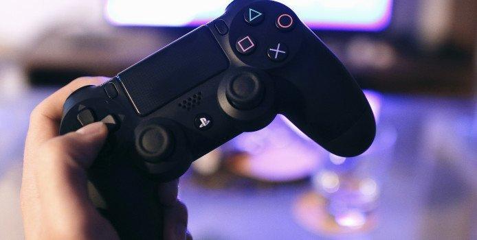 """Sony CEO kritisiert Game Pass: """"Ergibt keinen Sinn"""" für Top-Games"""