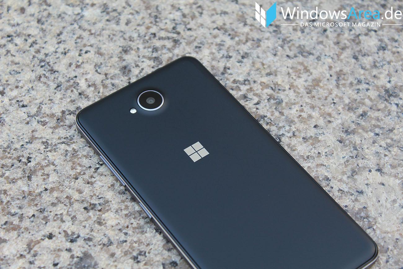 Microsoft Lumia 950 im Test Rückseite Microsoft Logo