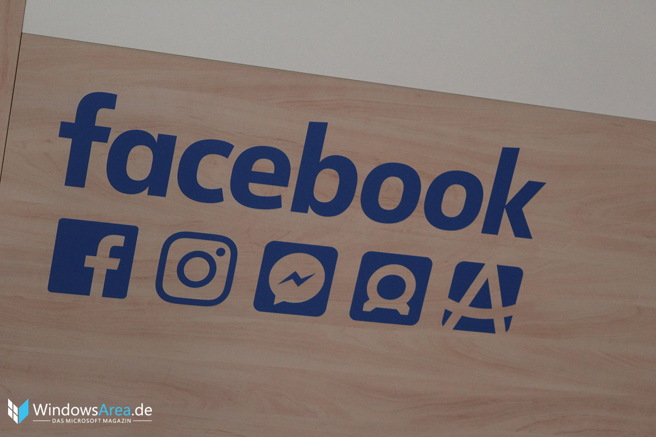 Facebook Logo GamesCom 2016