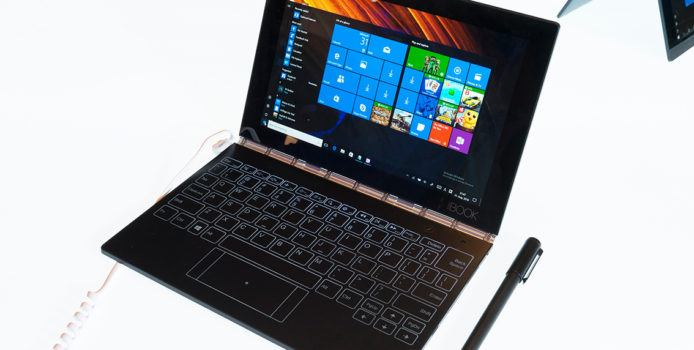 Lenovo Yoga Book 3: 13-Zoll Notebook mit faltbarem Display in Arbeit