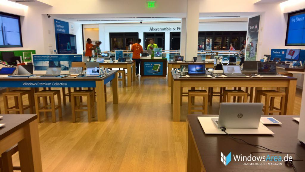 microsoft_store_tampa_inside