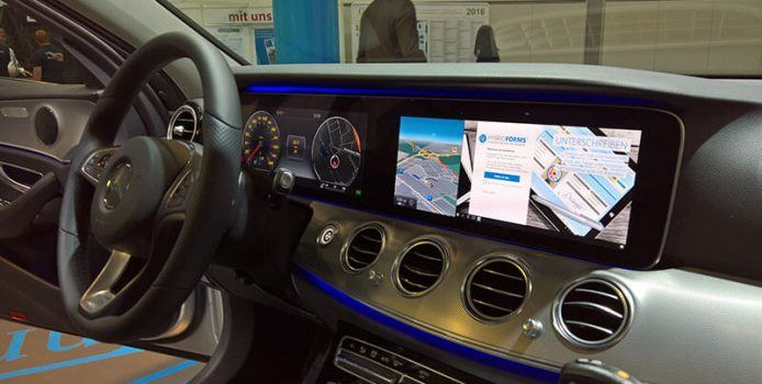 Polizeikongress: Mercedes zeigt Windows 10 Mobile Continuum im Auto