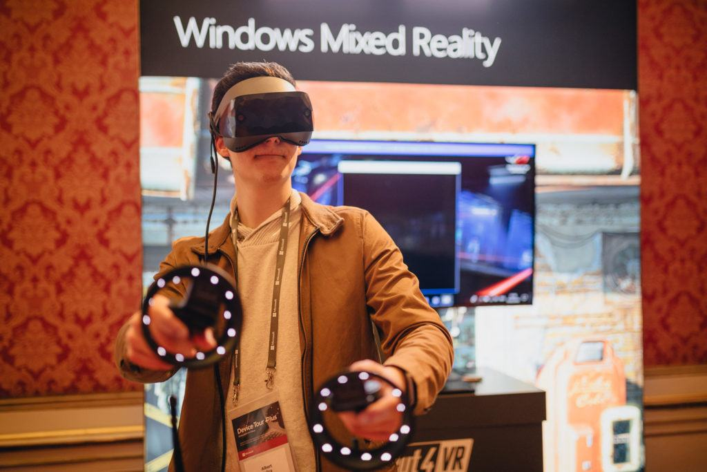 Windows 10 Oktober Update enthält ebenfalls Neuerungen für Windows Mixed Reality.