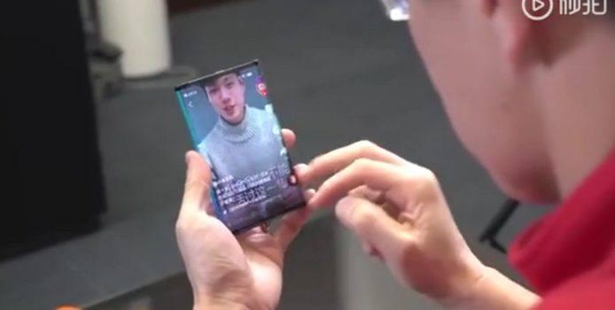 Faltbares Xiaomi Smartphone ist genau das, was es sein soll