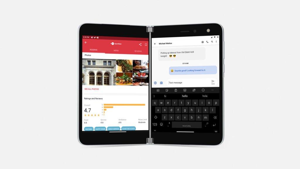 Das Bild zeigt ein Marketingfoto vom Surface Duo. Es wird von vorne dargestellt.