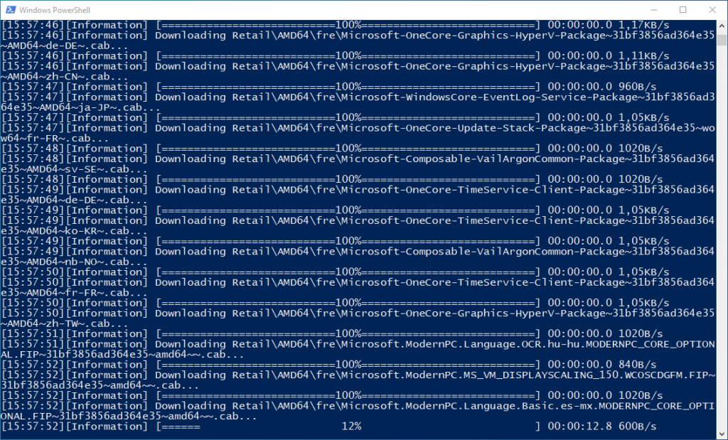 Windows 10 PowerShell-Fenster mit dem Download-Prozess vom UUPMediaCreator