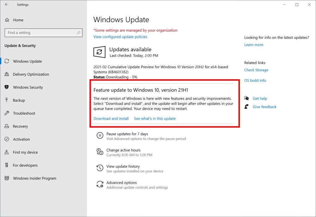 Dieses Foto zeigt Windows Update, wo Windows 21H1 als optionales Update angeboten wird