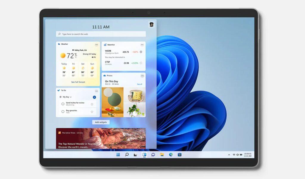 Surface Pro 8 von Vorne, Hauptaugenmerk liegt auf das Display bzw. auf den Bildschirm